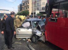 تصادف شدید خودروی پراید با اتوبوس در خط ویژه خیابان آزادی