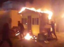 آتشافروزی معترضان عراقی در اطراف کنسولگری ایران در کربلا