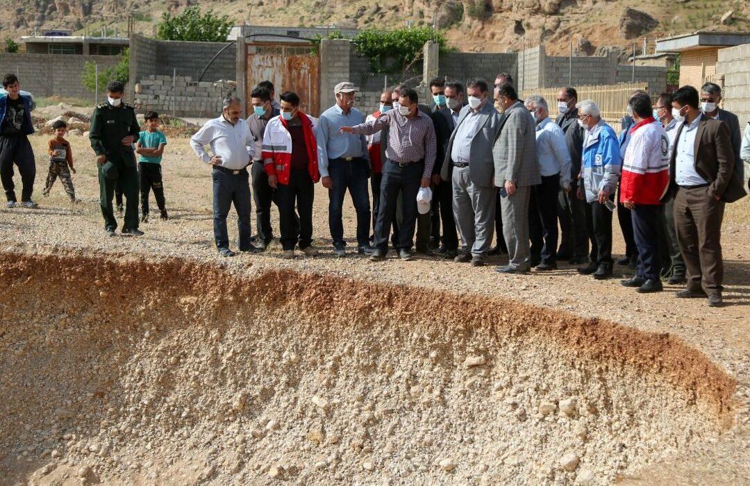 رانش زمین افسرآباد اردل به دلیل برداشت بیرویه مصالح از دامنه کوه است