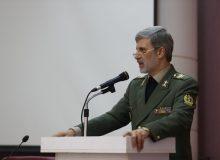 وزیر دفاع :دشمنان در تلاش برای تخریب ارزش ها و فرهنگ هستند