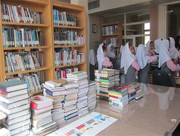 توزیع کتب درسی در مدارس از ابتدای مهرماه