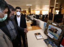 ادای احترام وزیر فرهنگ به شهدا و امضای دفتر یادبود «بازتاب خبر»