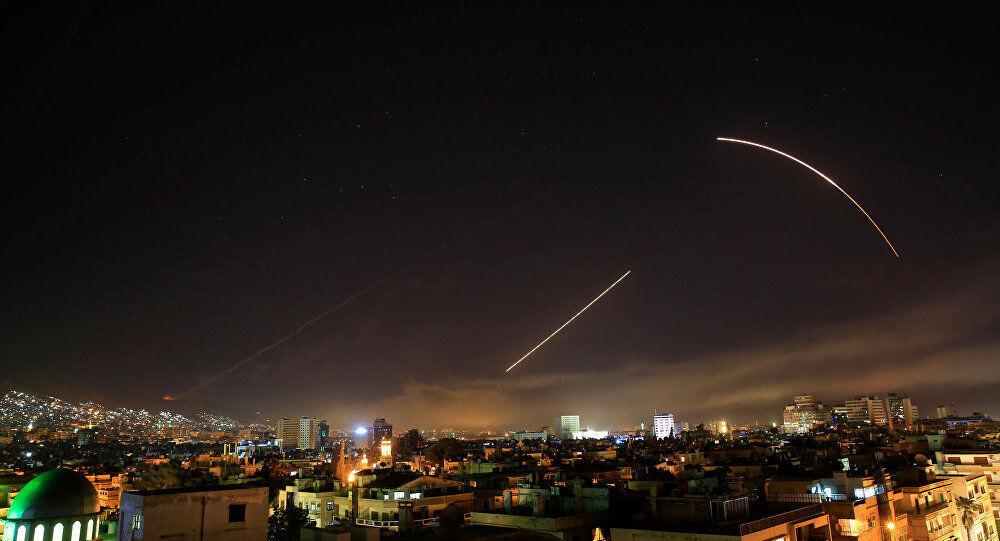 مقابله پدافند هوایی ارتش سوریه با اهداف متخاصم در استان حمص